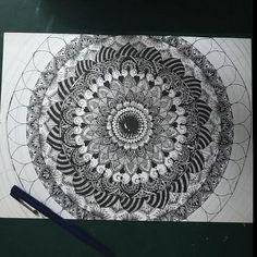 Mandala Art Lesson, Mandala Artwork, Mandala Drawing, Mandala Dots, Mandala Pattern, Cool Art Drawings, Pencil Art Drawings, Mandela Art, Art Painting Gallery