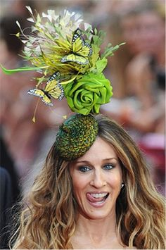 Just like Sarah Jessica Parker, you can rock a flower fascinator!