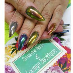 Conócenos, síguenos, compártenos... f/ Sunshine Nails & Lounge Boutique @Diana Leemoon #Uñas #UñasAcrílicas #Nails #EfectoCromo #NailArt #DianaLeemoon
