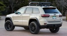 The Grand Cherokee EcoDiesel Trail Warrior is one of six concepts built by Jeep and Mopar for the 2014 Easter Jeep Safari. 2014 Jeep Grand Cherokee, Lifted Jeep Cherokee, Grand Cherokee Trailhawk, Jeep Wrangler Lifted, Lifted Jeeps, Jeep Wranglers, Cherokee 4x4, Cherokee Limited, Auto Jeep