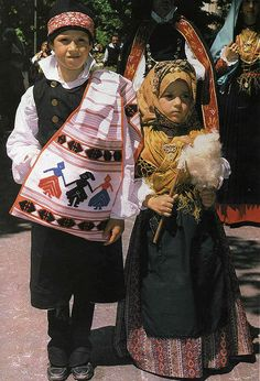 bambini in costume di sant'antioco   Flickr - Photo Sharing!
