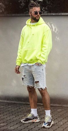 20 Cool OOTD Fashion for Men to try this Season! Ripped Denim Shorts, Green Hoodie and Shoes- ootd for men Streetwear Mode, Streetwear Shorts, Streetwear Fashion, Streetwear Summer, Summer Outfits Men, Stylish Mens Outfits, Short Outfits, Men Summer, Casual Outfits