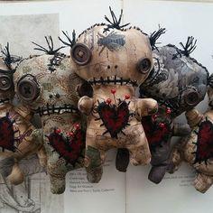 NEW Voodoo dolls in my Big Cartel shop! Diy Voodoo Dolls, Diy Doll, Ugly Dolls, Creepy Dolls, Voodoo Halloween, Halloween Crafts, Monster Dolls, Monster Art, Big Cartel Shops