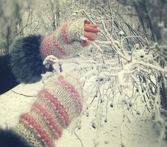 warm mittswinter gloves handmade gray with pink hand by PetsLair