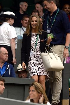 June 30 2014 Kim Sears arrived at Centre Court to watch boyfriend Andy Murray play Kevin Anderson for a place in the fifth round. Fashion Idol, Star Fashion, Fashion Beauty, Women's Fashion, Kim Murray, Gorgeous Women, Beautiful People, Latest Celebrity Gossip, Sassy Girl