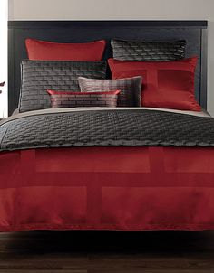 I love grey and red beddings :)