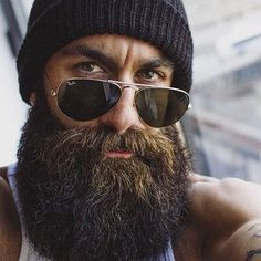 Cool and gentle full beard styles 09 - Fashionetter Badass Beard, Epic Beard, Sexy Beard, Full Beard, Great Beards, Awesome Beards, Hipster Bart, Bart Styles, Best Beard Oil