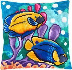 Рыбки в аквариуме Z-58 / Чарівниця / Наборы для вышивки подушек крестом / Вышивание на Zinzilin.com