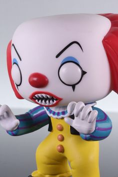 Which is scarier: a monstrous sewer-dwelling black spider that eats children, or Pennywise, the Dancing Clown? Yeah, you're right. Clowns are scary. Figure is new, unused, and in its original box.