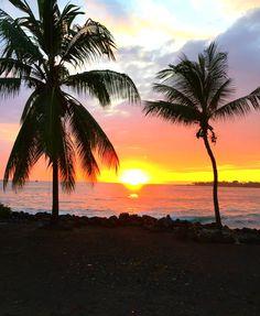 Absolutely nothing beats a Hawaiian sunset. Breathtaking.