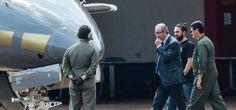 Eduardo Cunha é preso pela PF em Brasilia e levado para Curitiba. O deputado cassado Eduardo Cunha foi preso hoje (19) em Brasília, no âmbito da...