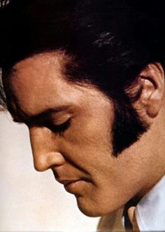 ELVIS   Ohhh my GOD, The best EVER photo.