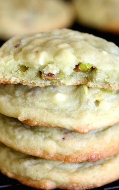 Pistachio Pudding Cookies 1 C butter 1 C sugar 2 eggs 1 servings) box Instant Pistachio Pudding t salt 1 t baking soda 2 C flour C chopped pistachio nuts 1 C white chocolate chips heat oven to beat butter and sugar together un Köstliche Desserts, Dessert Recipes, Plated Desserts, Pistachio Pudding Cookies, Pistachio Cheesecake, Pistachio Cupcakes, Pistachio Dessert, Almond Cookies, Shortbread Cookies