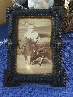 ANTIQUE TRAMP ART FRAME GERMANY 1900 - VERY OLD GIRL PICTURE