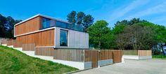 Arquitectura orgánica. Lamas de madera. Integración en el paisaje