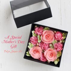 Sugar Art Flower Box  全てお砂糖で作られています Flower Boxes, Flowers, Sugar Art, Fondant, Tokyo, Clay, Pretty, Gifts, Window Boxes