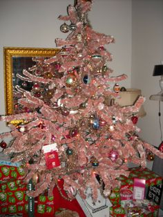 Vintage Chenille Bottle Brush Feather Christmas Tree 5 Ft Pink Rare 20 S 30 Black Decorations