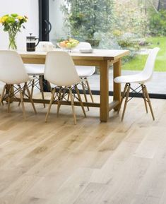 41 Ideas for light oak wood floors chairs Dining Room Table, Dining Area, Eames Dining, Patio Dining, Dining Chairs, Wood Floor Colors, White Oak Floors, Light Oak Floors, Kitchen Flooring