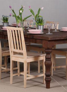 Jyhkeä lankkupöytä sorvatuilla jaloilla. Tummaksi petsattu mänty. 4-pinnatuolit. Decor, Furniture, Dining, Dining Table, Table, Chair, Home Decor, Dining Chairs