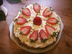 Vintage Lavender & Rose - Clare's Pistachio & Rosewater with Lemon & fresh Cream icing with Strawberries. Sheffield Clandestine Cake Club.