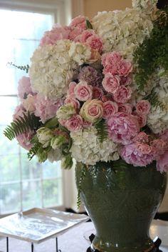 By Jackson Durham #jacksondurham #weddingfloral #largefloral #peony #hydrangea #parrottulip #ferns #gardenrose #chineseporcelain
