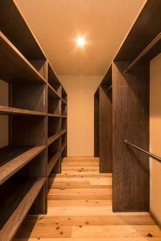 Walk In Closet Design, Closet Designs, Stock Room, Dressing Room Design, Smart Design, Diy Cabinets, Master Closet, Log Homes, Storage Spaces