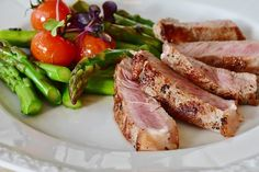 As one of the most popular weight-loss strategies, are low-carb diets healthy? Researchers recently studied the long-term effects of low-carb diets. Dieta Atkins, Atkins Diet, Keto Diet Plan, Low Carb Diet, Paleo Diet, Ketogenic Diet, Keto Meal, Meat Diet, Meat Food