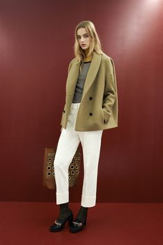 See the complete Sonia Rykiel Pre-Fall 2015 collection.