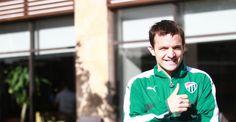 """Batalla'dan Alex'e övgü Bursaspor'un Arjantinli yıldızı Pablo Martin Batalla, Fenerbahçe'nin eski yıldızı Alex de Souza'yı överek, """"Alex, benim Türkiye'deki zamanımda en çok beğendiğim oyuncuydu. Çok güzel izler bıraktı. Onun yaptığı hareketleri izlemek büyük bir zevkti"""" dedi. http://feedproxy.google.com/~r/dosyahaber/~3/jkWenHUmFz8/batalladan-alexe-ovgu-h11083.html"""