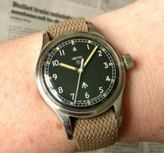 I'm a big fan of military dive watches and currently own a Marathon GSAR as well as a CWC SBS diver. Field Watches, Beautiful Watches, Vintage Watches, Cool Watches, Men's Accessories, Stuff To Buy, Clocks, Wwii, Military