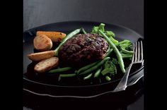 Karbanátky Lindström | Apetitonline.cz Beetroot Recipes, Beets, Steak, Food And Drink, Menu, Menu Board Design, Menu Cards, Steaks, Beet Recipes