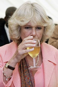 Photos of the Royal Family Drinking Because You Need This Today Queen Elizabeth Death, Prince Philip Queen Elizabeth, Prince Charles And Camilla, Camilla Duchess Of Cornwall, Camilla Parker Bowles, British Monarchy, Prince Of Wales, British Royals, Princess Diana
