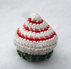 Ravelry: Christmas Cupcake Ornament pattern by MyGurumi