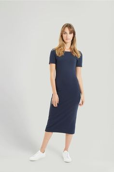 Our classic midi dress, in super soft jersey, features a dropped neckline at the back. 95% Organic Certified Cotton, 5% Elastane jersey.