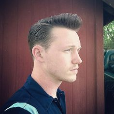 Nothing beats a fresh with . Very Short Haircuts, Haircuts For Men, Popular Mens Hairstyles, Cool Hairstyles, Modern Pompadour, Brylcreem, Slicked Back Hair, Mens Hair Trends, Comb Over