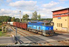 Net Photo: CD Cargo 753 at Kladno, Czech Republic by Michal Pecanka Bahn, Czech Republic, Locomotive, Pictures, City, Europe, Photos, Photo Illustration, Bohemia