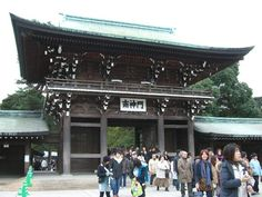 One of #Tokyo's most famous shrines, the #MeijiShrine is a striking contrast to the hustle and bustle of the metropolis. To know more about Meiji Shrine click here @ http://kazuhisaoda.com/