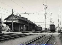Bahnhof Oberburg alt mit Bahnübergang und Abbruch Bahnhof Oberburg Bahn, Trains, History, Pictures, Historia, Train