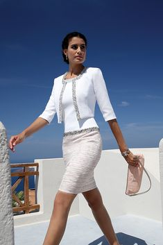 We love, love, love the Linea Raffaelli F16 Set 65 Mother of the Bride or Groom outfit. Styling with a difference!