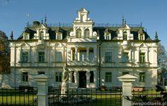 Pałac w Supraślu wzniesiony prawdopodobnie między rokiem 1892 a 1903 przez Adolfa Buchholtza. Obecnie mieści się w nim Liceum Plastyczne im. Artura Grottgera.