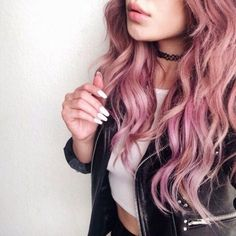 Wow! That curly hair with that color is so beautiful! :heart_eyes: #grunge