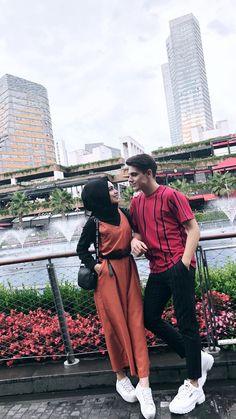 Cute Muslim Couples, Muslim Girls, Cute Couples Goals, Muslim Brides, Couple Goals, Islamic Fashion, Muslim Fashion, Hijab Fashion, Romantic Boyfriend