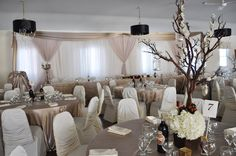 Champagne and Ivory Table Decor  www.tradesensation.com