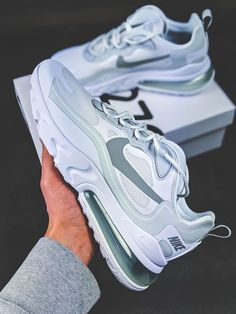 Discover recipes, home ideas, style inspiration and other ideas to try. All Nike Shoes, Hype Shoes, New Shoes, White Nike Shoes, Cute Sneakers, Girls Sneakers, Aesthetic Shoes, Fresh Shoes, Pretty Shoes