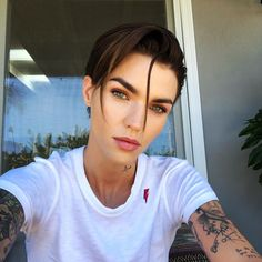 Hot And Sexy non nude photos of the fappening actress and model Ruby Rose. Ruby Rose is an extraordinary 32 year old Australian celebrity. Ruby Rose Hair, Ruby Rose Style, Orange Is The New Black, Girl Crushes, Woman Crush, New Hair, Pretty People, Hair Inspiration, Short Hair Styles