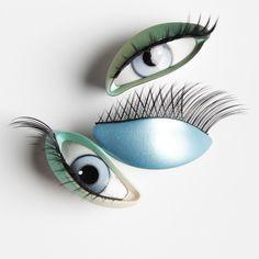 Eyes ref : YD.46.F2 / YA.45.F2 / YB.18.F2 Shop window design Shop window display Visual merchandising Shop window mannequin