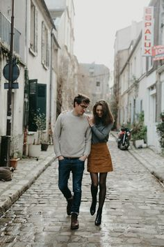 Best for: Cute town/city adventure photo session. This kind of outfit pairing looks beautiful against city streets and alleyways. Keep the colors neutral, no bright colors or patterns