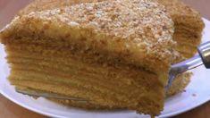 Výborný salát s kuřecím masem a lahodnou zálivkou recept - mojekuchyn Custard Cake, Honey Cake, Cake Boss, Cake Ingredients, Banana Bread, French Toast, Dessert Recipes, Cooking Recipes, Yummy Food