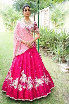 Looking for Simple bridal red lehenga with light pink dupatta? Browse of latest bridal photos, lehenga & jewelry designs, decor ideas, etc. on WedMeGood Gallery. Bollywood Lehenga, Red Lehenga, Party Wear Lehenga, Indian Lehenga, Bridal Lehenga, Sabyasachi Lehengas, Sarees, Anarkali, Indian Dresses