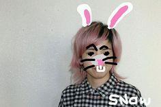 WEBSTA @ sayahirata56 - #hair#shortstyle #shorthair #hairdresser #color #designcolor #breach #pink#pinkash#ショートヘア#デザインカラー#ブリーチ#ブリーチ3回 #ピンク#ピンクアッシュ#マニキュア#マニパニ#外人風ヘアー #外人風カラー#スノウ  New hair color.沖縄はまだまだ夏なのでピンクアッシュに*表情が腹立たしいので、なんちゃって#snow